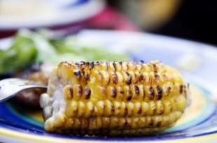 Kolby grillowanej kukurydzy