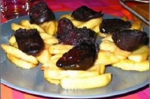 grillowana kaszanka z jabłkami