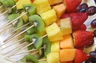 Szaszłyki z grillowanych owoców