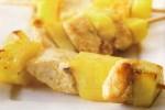 Słodkie szaszlyki z kurczaka i ananasa