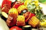 Szaszłyki z grillowaną kukurydzą