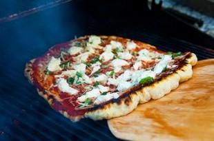 Pizza z rusztu