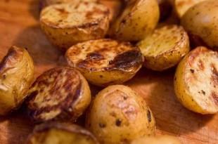 Bejcowane ziemniaczki z grilla