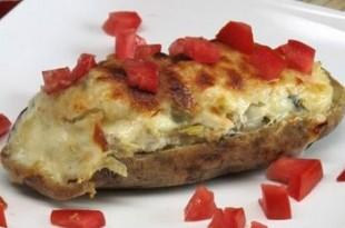 Grillowane ziemniaki faszerowane serem