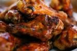 Słodko-pikantne skrzydełka z grilla